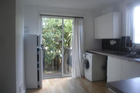 1 bedroom property to rent - Cunningham Rd, London, N15