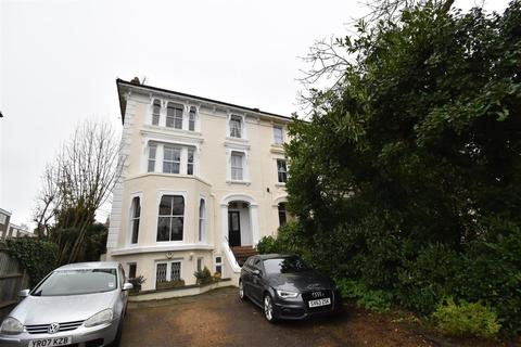 1 bedroom apartment to rent - South Bank Terrace, Surbiton