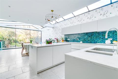 5 bedroom detached house for sale - Hendham Road, London, SW17