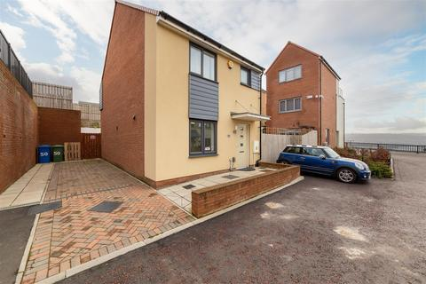 3 bedroom detached house to rent - Featherwood Avenue, Newcastle Upon Tyne
