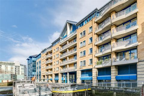 2 bedroom flat for sale - Bishops Wharf House, 51 Parkgate Road, London, SW11