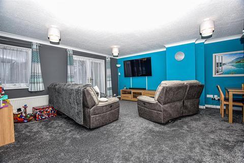 2 bedroom terraced house for sale - Longparish Close, Maidstone