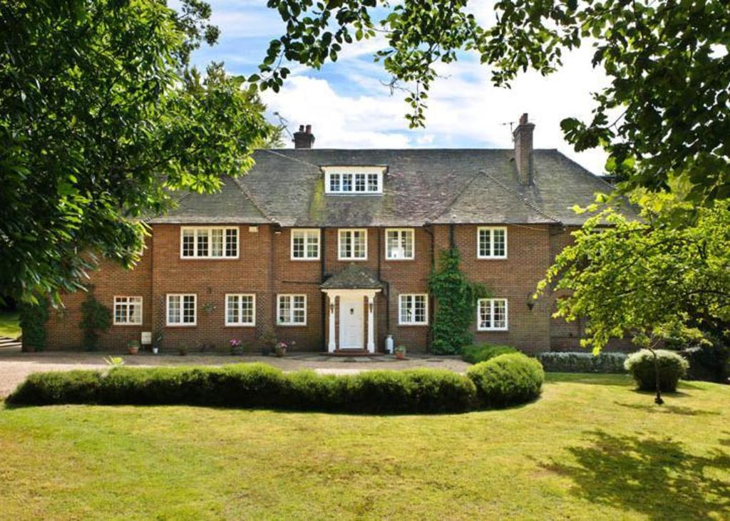 7 Bedrooms Detached House for sale in Hascombe Road, Godalming, Surrey, GU8
