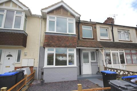 3 bedroom terraced house for sale - Freshbrook Road, Lancing, West Sussex, BN15