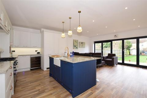 4 bedroom semi-detached house for sale - Hastings Road, Maidstone, Kent