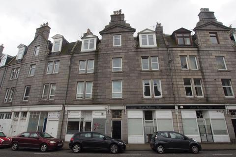 3 bedroom flat to rent - Leadside Road Top Floor, Aberdeen,