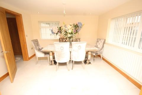 4 bedroom detached house to rent - Parkgate Road, Chester