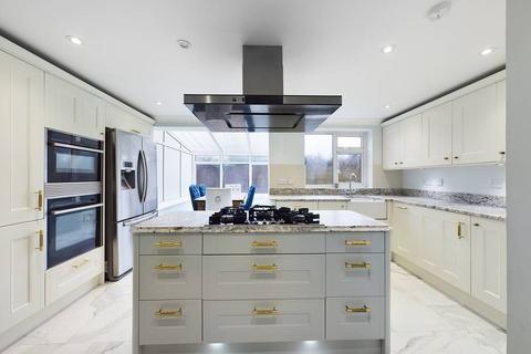 3 bedroom semi-detached house to rent - Dunster Grove, Cheltenham,