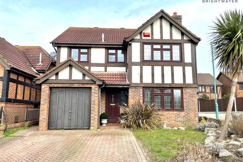 4 bedroom detached house for sale - Elmgate Drive, Bournemouth