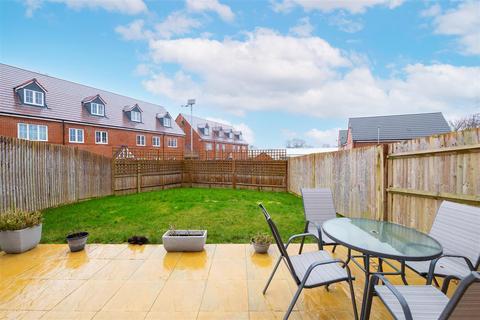 3 bedroom detached house for sale - Pulla Hill Drive, Storrington, Pulborough