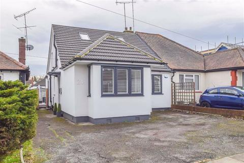 4 bedroom semi-detached house for sale - Vardon Drive, Leigh-on-sea, Essex