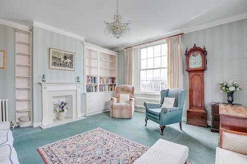 4 bedroom flat for sale - Fitzjames Avenue, London