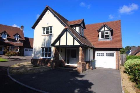 4 bedroom terraced house to rent - Cresta Grove, St. Fagans, Cardiff