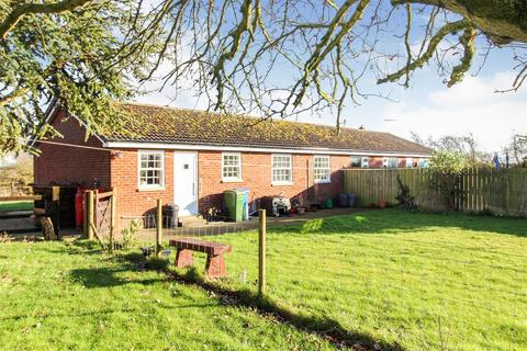 2 bedroom semi-detached bungalow for sale - No.1 The Bungalows, Carr Lane, Wansford, Driffield
