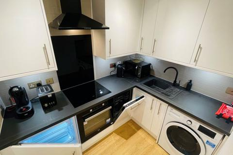 1 bedroom flat for sale - 18/7 Waverley Park, Edinburgh, EH8 8ET