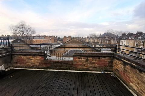 3 bedroom flat to rent - Lower Clapton Road, London E5