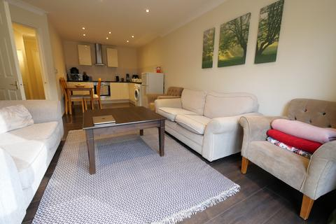 2 bedroom flat to rent - Briary Court, Turner Street, Canning Town, London E16