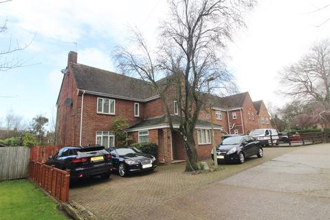 4 bedroom detached house to rent - Pattinson Road, Reading, RG2