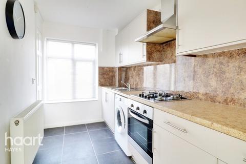 2 bedroom maisonette for sale - Wood End Green Road, Hayes