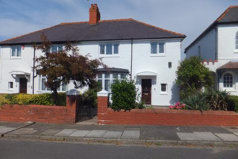 4 bedroom semi-detached house to rent - Baroness Place, Penarth  CF64