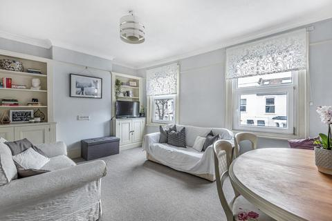 2 bedroom flat for sale - Russell Road, Bowes Park