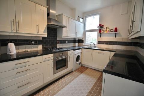 2 bedroom flat to rent - Green Lanes, Winchmore Hill, Palmers Green, N13