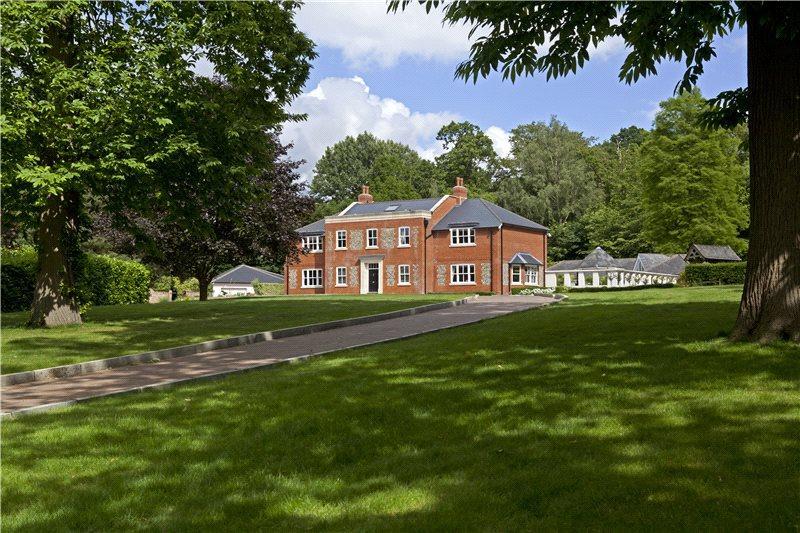 6 Bedrooms Detached House for sale in Manor Lane, Fawkham, Kent, DA3