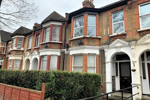 3 bedroom flat to rent - Poppleton Road, Leytonstone, E11
