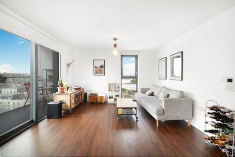 2 bedroom flat to rent - Thomas Tower, Dalston Square, E8