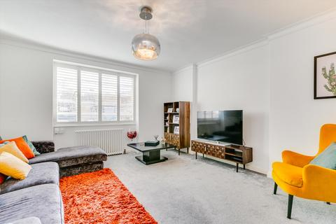 3 bedroom flat for sale - Hightrees House, Nightingale Lane, SW12