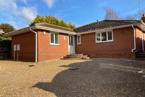 3 bedroom detached bungalow for sale - The Avenue, Spinney Hill, Northampton, NN3