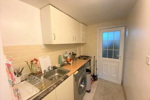 Studio to rent - Oldway Lane, Slough