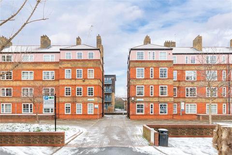 3 bedroom flat for sale - Vauban Estate, London, SE16