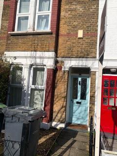 2 bedroom terraced house to rent - Eleanor Road, London, N11