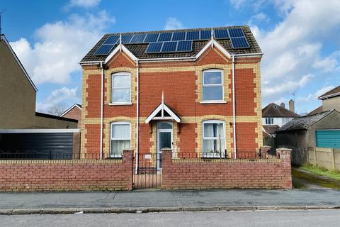 3 bedroom detached house for sale - Liswerry Road, Newport