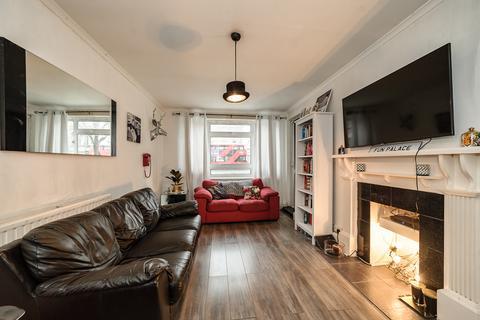 2 bedroom flat for sale - Elmington Estate, Camberwell, SE5