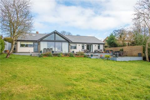 4 bedroom detached house for sale - The Dean, Wingrave, Aylesbury, Buckinghamshire, HP22