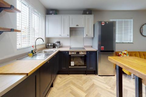 3 bedroom apartment to rent - Elmira Street, London, SE13