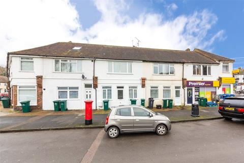 5 bedroom semi-detached house to rent - Upper Bevendean Avenue, Brighton, BN2