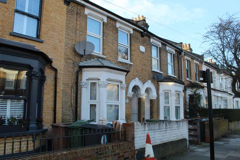 3 bedroom terraced house to rent - Roland Road, London E17