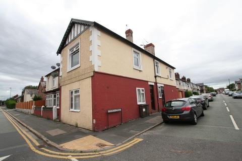 2 bedroom flat to rent - Westminster Road, Ellesmere Port, Cheshire. CH65