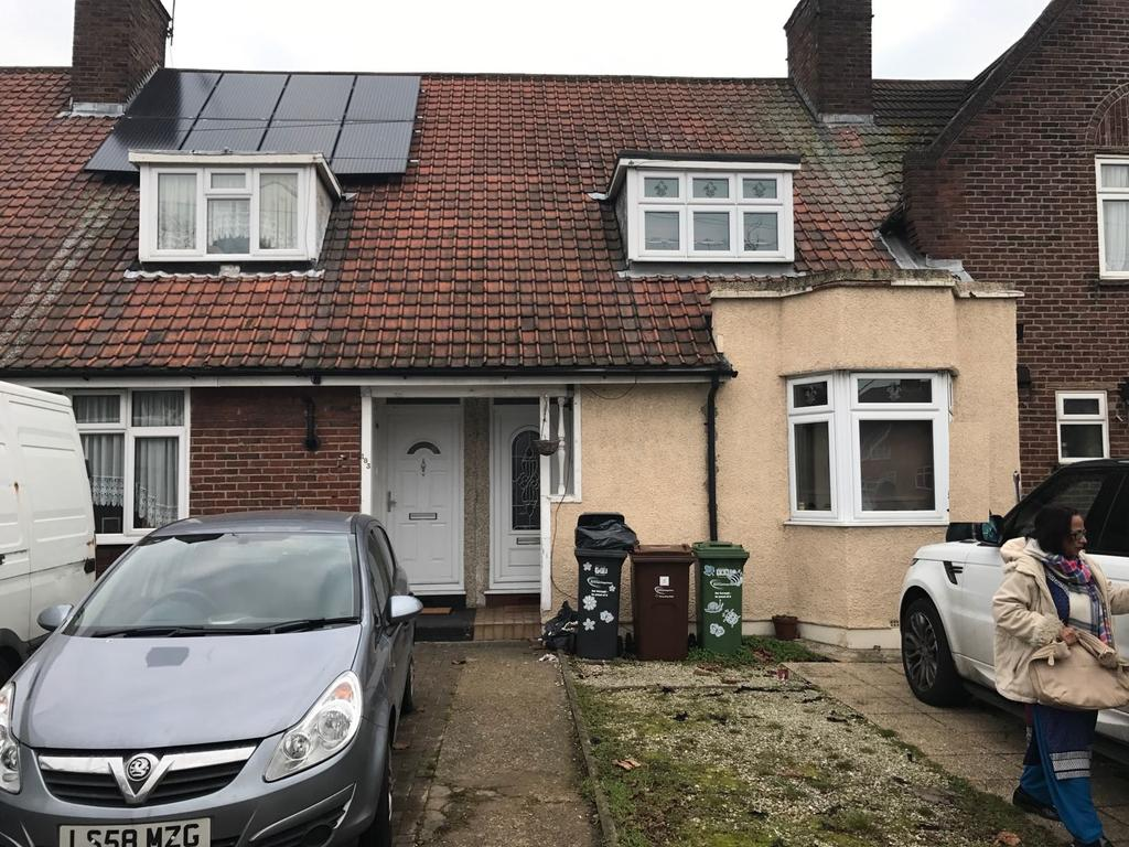 2 bedroom terraced house available to let in Vale