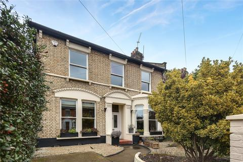 4 bedroom end of terrace house for sale - Hampton Road, Forest Gate, London, E7