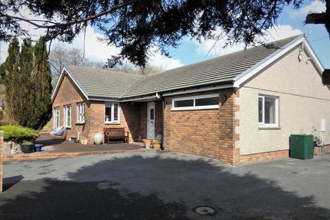 4 bedroom detached bungalow for sale - Foxes Cross, Hen Heol Y Banc,, PONTYBEREM, Llanelli
