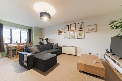 2 bedroom apartment for sale - Gresham Way, Wimbledon Park