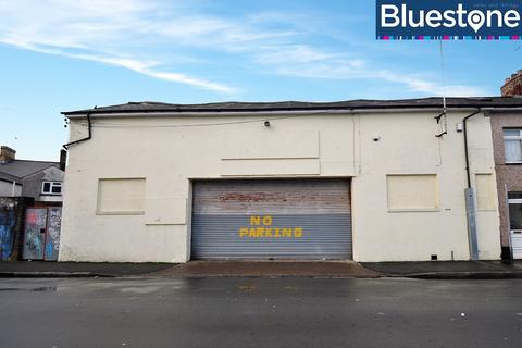 Garage to rent - Junction Road
