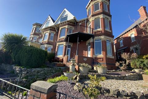1 bedroom ground floor flat to rent - Redbrink Crescent, Barry Island