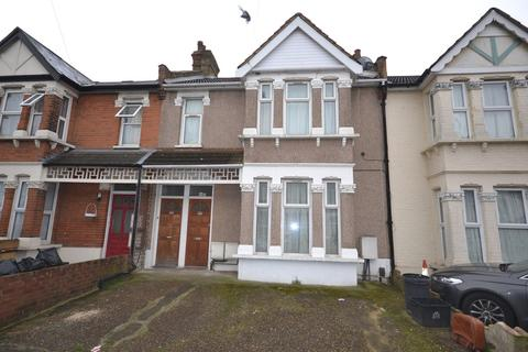 2 bedroom flat to rent - Goodmayes Avenue, Ilford