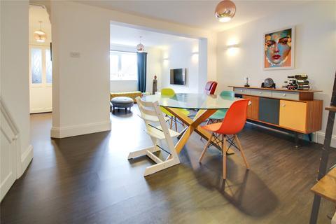 4 bedroom terraced house for sale - Swindon Road, Old Town, Swindon, SN1