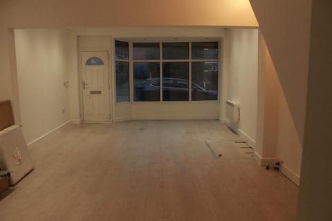 Office to rent - Worsley Road, Swinton, Manchester, lancashire